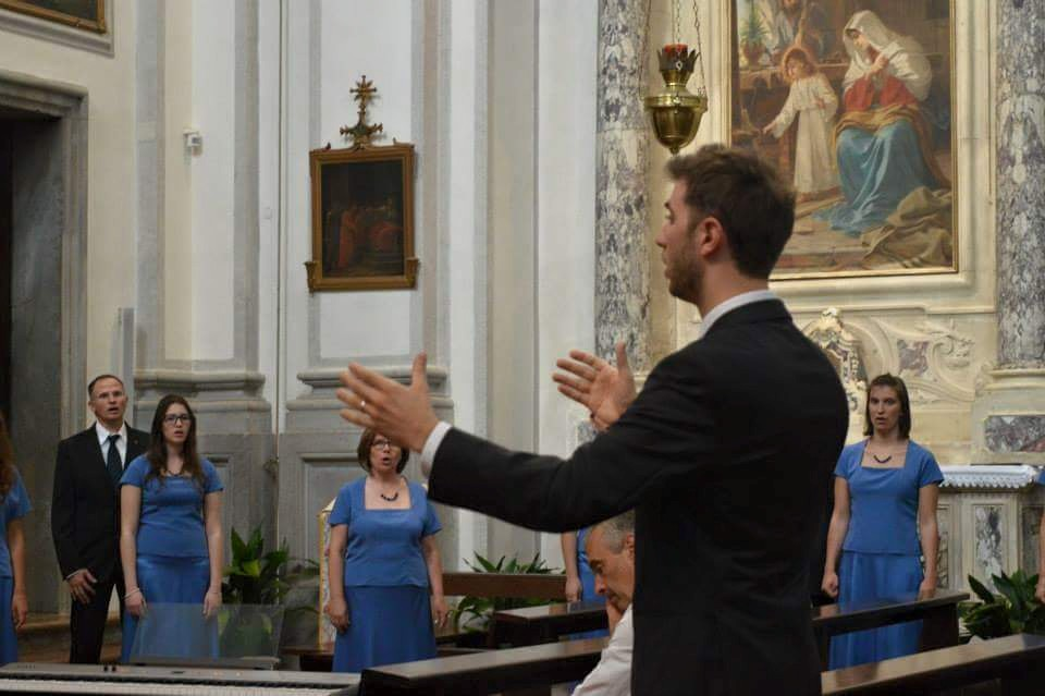 Marco Dal Molin dirige la Corale Zumellese